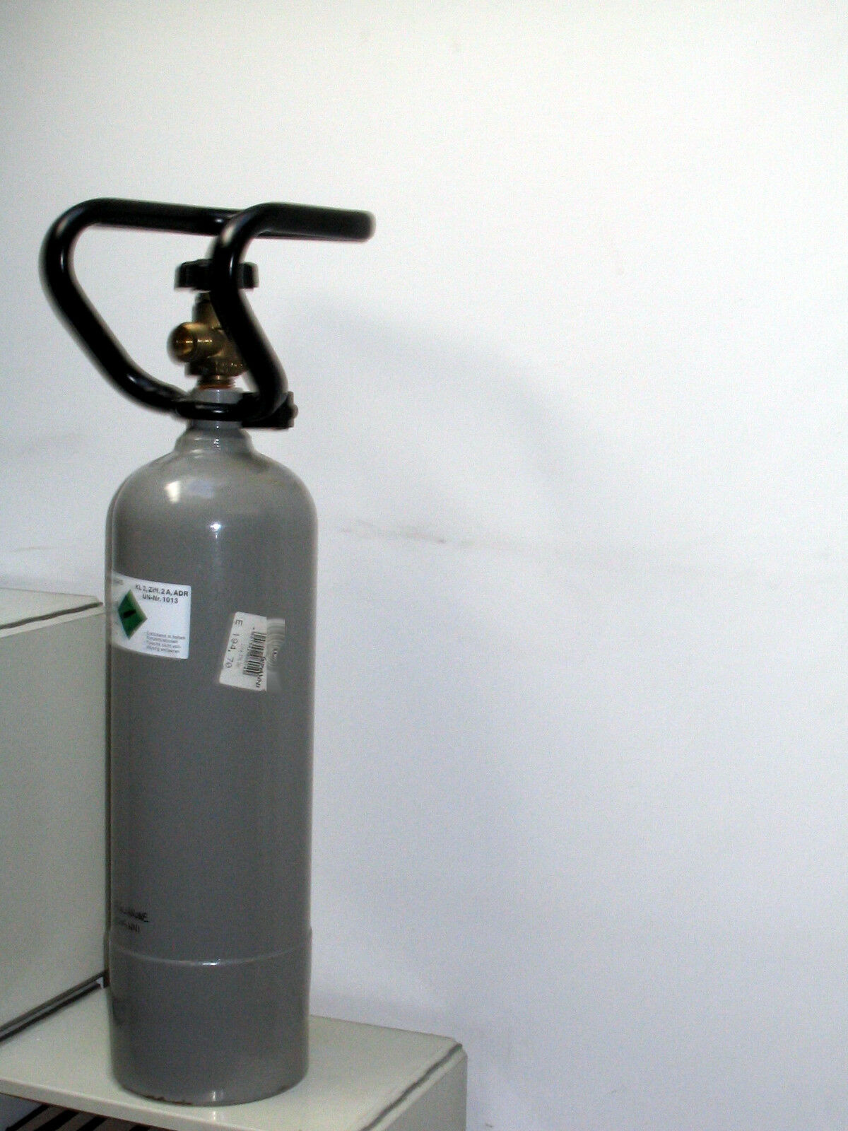 Bombola di CO2 anidride carbonica da 2 2 2 Kg per acquari con maniglia trasporto 70fdb4