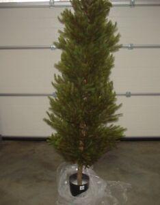 Kuenstlicher-Weihnachtsbaum-ohne-Beleuchtung-Edelfichte-2970-Tips-180-cm
