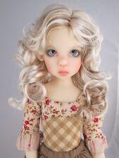 Monique BEA Wig Bleach Blonde Brown Size 7-8 MSD BJD shown on Kaye Wiggs Missy