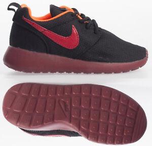 dfad832e08 Nike Junior Trainers Nike Roshe Run Kids Boys Trainers Sports ...