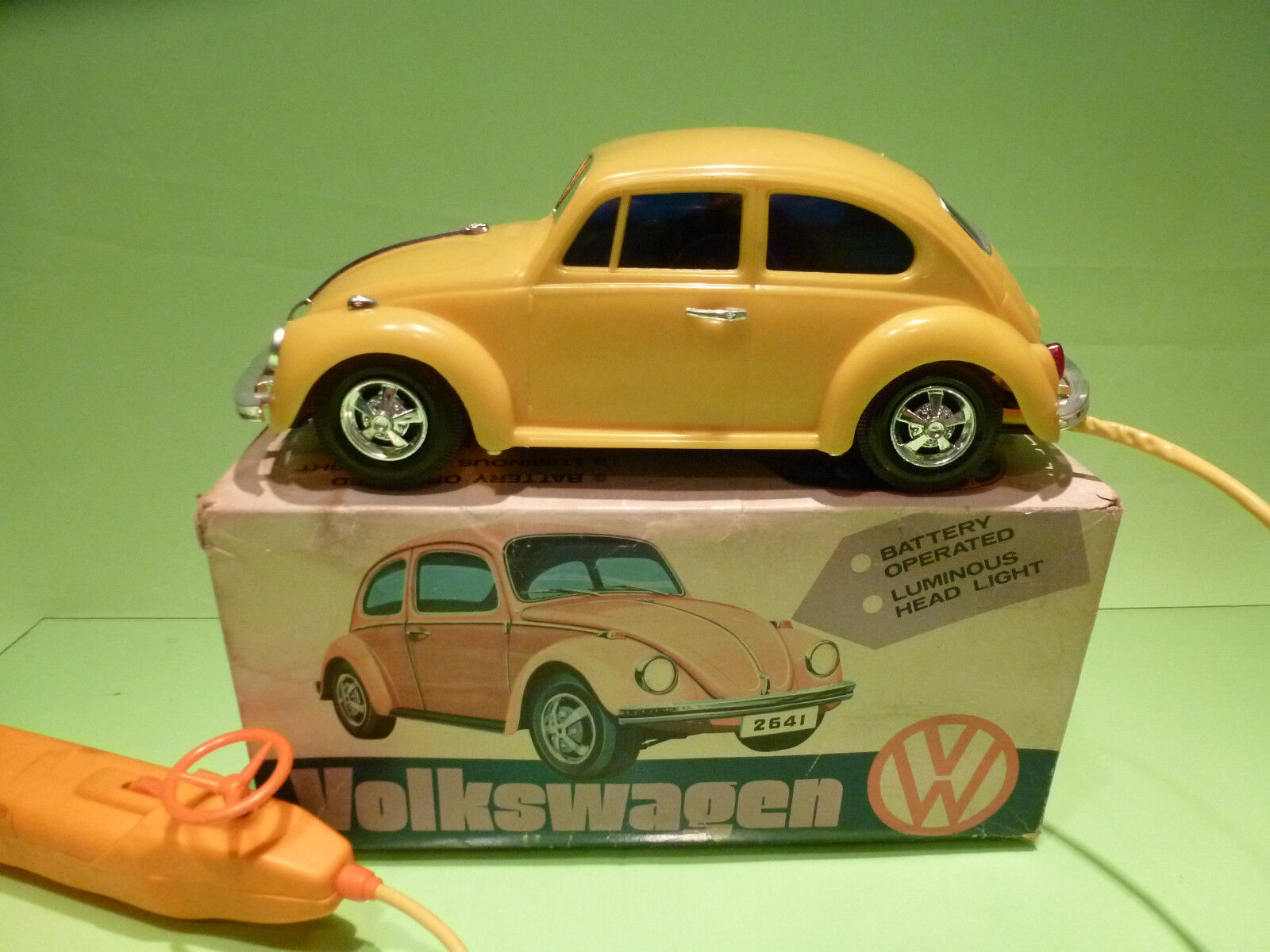 MADE IN HONG KONG 2641 VW VOLKSWAGEN - RC - RARE SELTEN - GOOD COND.IN BOX