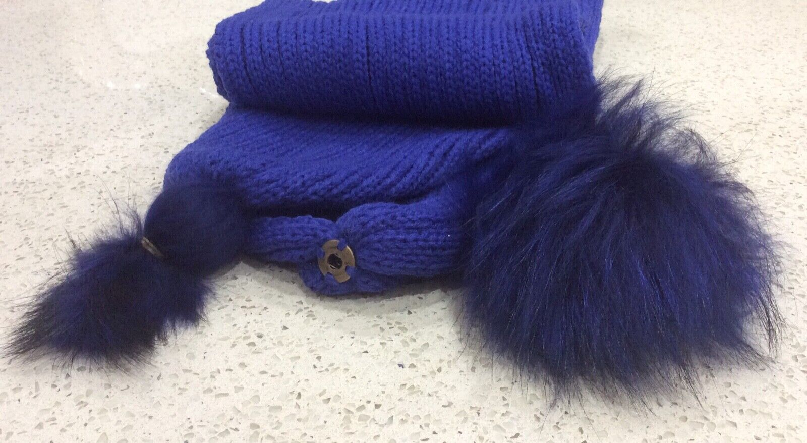Royal blue ribbed knitted scarf with removable Pom poms - brand new