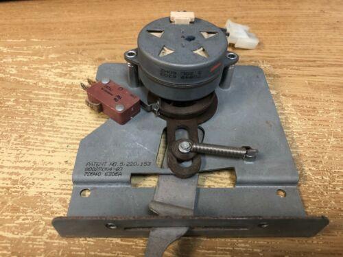 Whirlpool Oven Door Latch W10186996  74008267  AP6016557  PS11749848