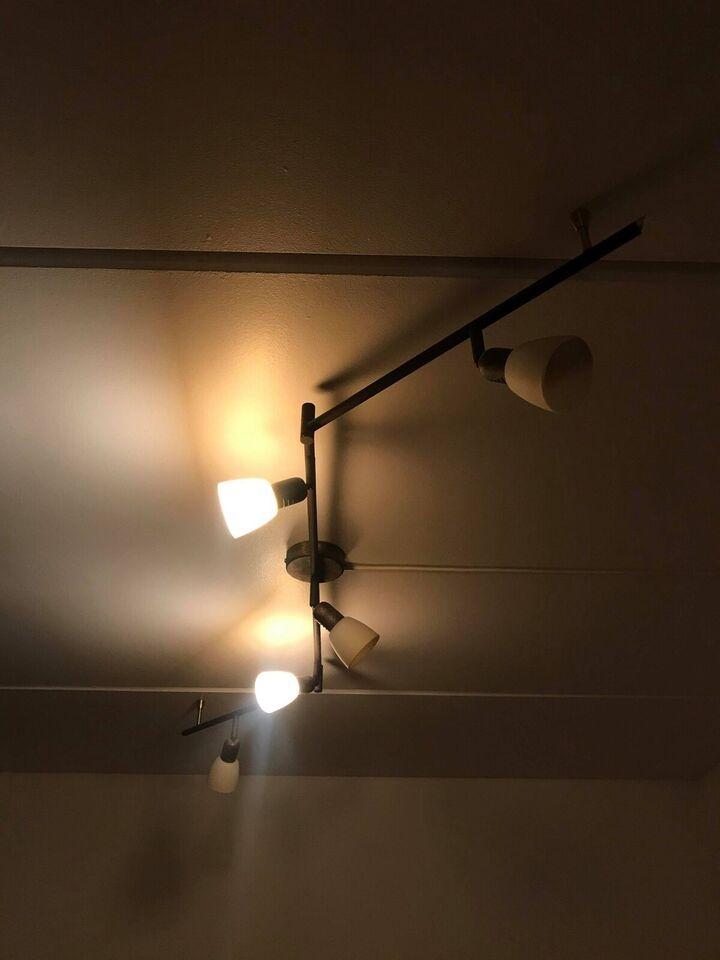 Anden loftslampe, 300