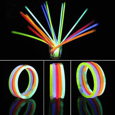 "100 x 8"" GLOW STICKS BRACELETS NECKLACES NEON COLOURS PARTY FAVORS RAVE DISCO UK"