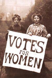 Postcard-c1908-Suffragettes-Annie-Kenney-amp-Christabel-Pankhurst-Votes-for-Women