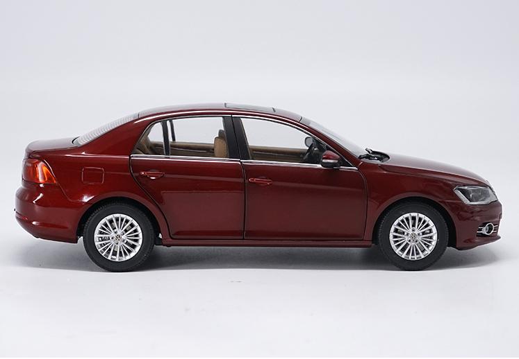 1 18 18 18 FAW-Volkswagen original manufacturer,NEW BORA car model Gift collection aa4468