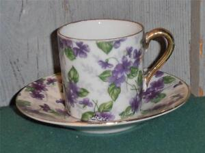 Vintage-Inarco-Small-Cup-and-Saucer-Violet-Flowers-amp-White-amp-Gold-Trim-1950-039-s