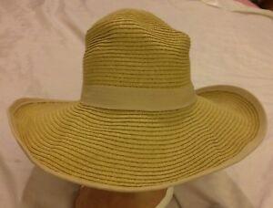 2a646d6c5bb Panama Jack Hat One Size Women s Beige Paper Braid Sun Hat