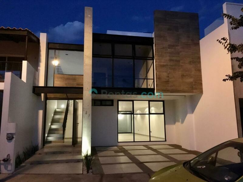 Casa en Mayorazgo Residencial, cerca de blvd aeropuerto, salida a Silao