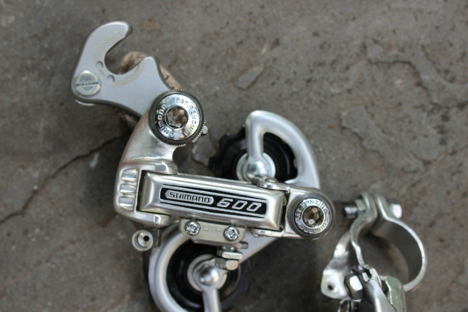 Shimano 600 Front and Rear Derailleur Set . NOS Never Used