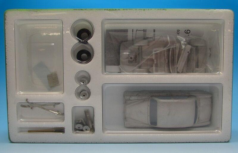 MERCEDES 180 B-C PONTON (1959-1962) 4 portes portes portes saloon KIT DE MONTAGE weissmetall 3887cd