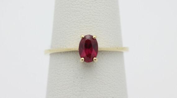10k Yellow gold  Princess Cut Simulated Ruby Birthstone Ring Sz 6.75 1.1g GG558