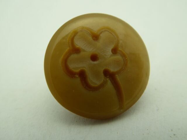 12 Pc Vintage Italy 70/'s New Old Stock Carved Beige Flower Casein Shank Buttons