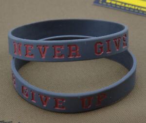 Rubber-Bracelet-Bracelet-Never-Give-Up