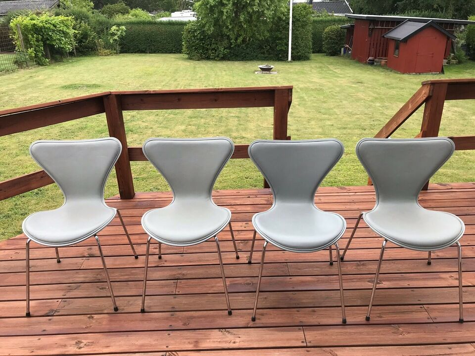 Arne Jacobsen, 7 stole , Med læder