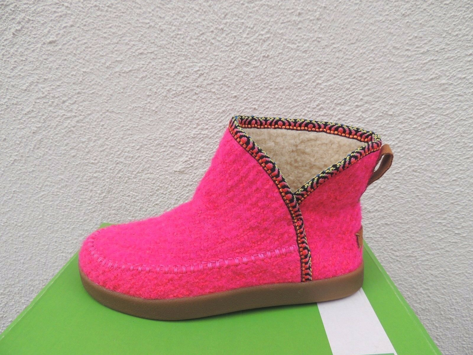 SANUK NICE BOOTAH NEON PINK BOUCLE BOUCLE BOUCLE KNIT FAUX FUR LINED BOOTS, SIZE US 7  38 NEW 2ad999