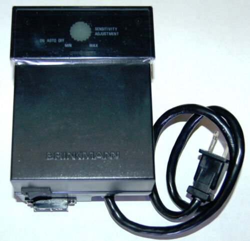 Brinkmann 38 Watt Outdoor Low Voltage Lighting Transformer w Photocell dusk//dawn