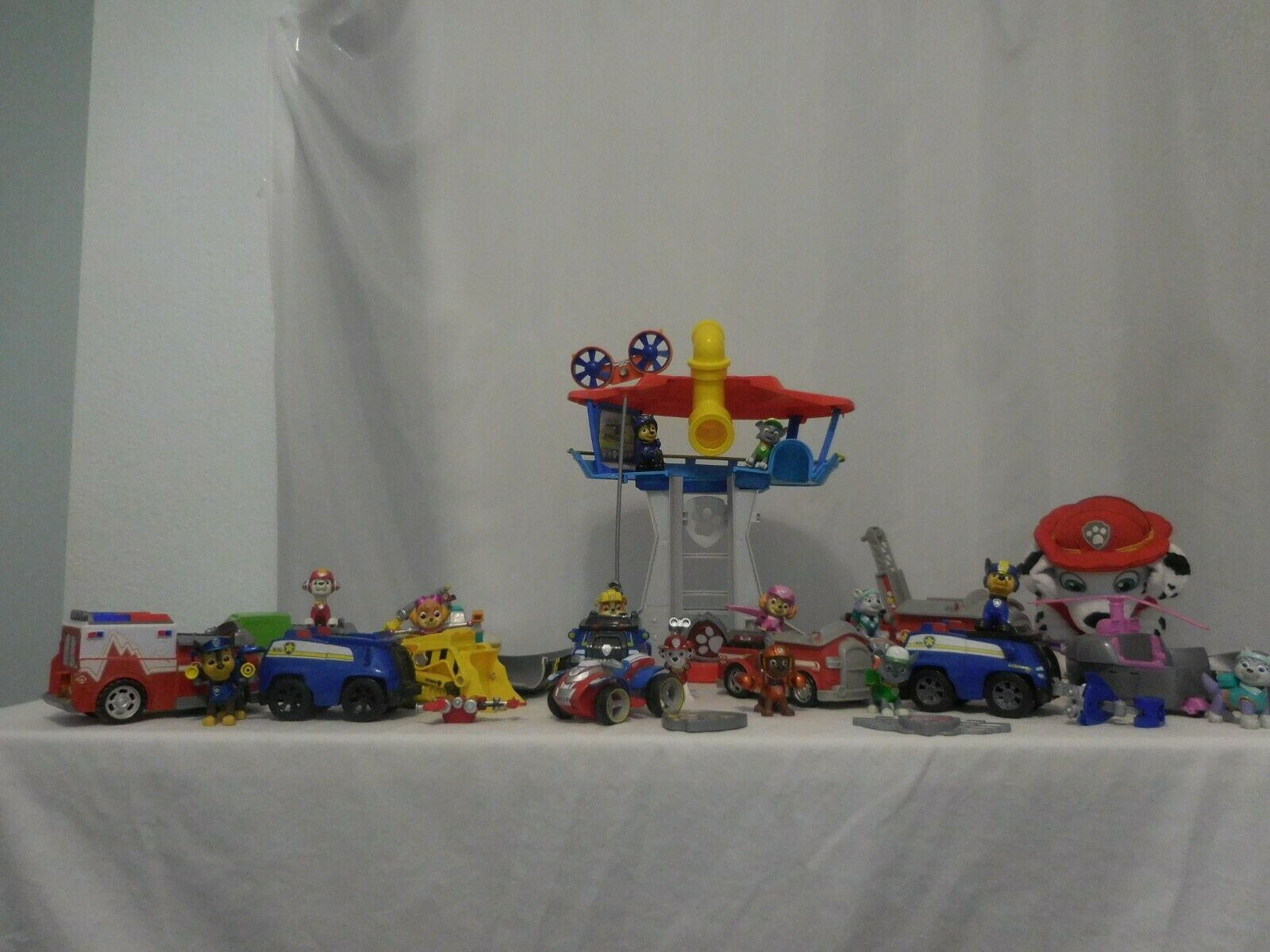 Paw Patrol Huge Lot Paw Patrol Toys Figures Vehicles Lookout Training Rescue Se