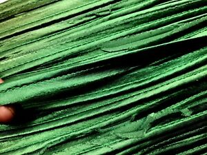VINTAGE-1-8-034-ROUND-SATIN-TUBING-EDGING-1-yd-Made-in-France-Emerald-Green