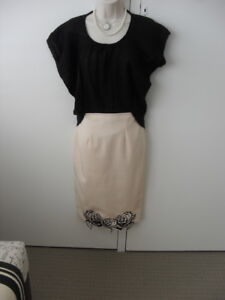 Missguided-skirt-Size-4-pale-peach-with-black-lace-trim-EUC