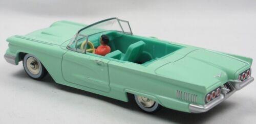NOREVCL2711 Voiture cabriolet américaine FORD Thunderbird de 1960 couleu vert