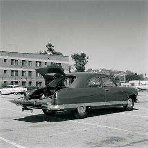 Kaiser-Traveler-1951-model-OLD-CAR-ROAD-TEST-PHOTO-15