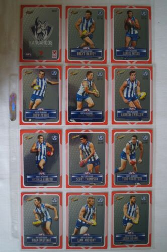 North Melbourne AFL Select Peel & Reveal Silver Football Cards m Set Sleeves