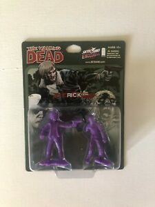 Walking Dead Megabox Exclusive Rick Grimes Sealed Set Purple