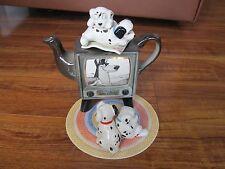 LE Disney Showcase Collection Cardew 101 Dalmatians Watching TV Teapot RARE