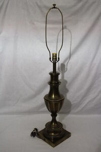 Large Vintage Stiffel Brass Table Lamp Mid Century Neoclassical