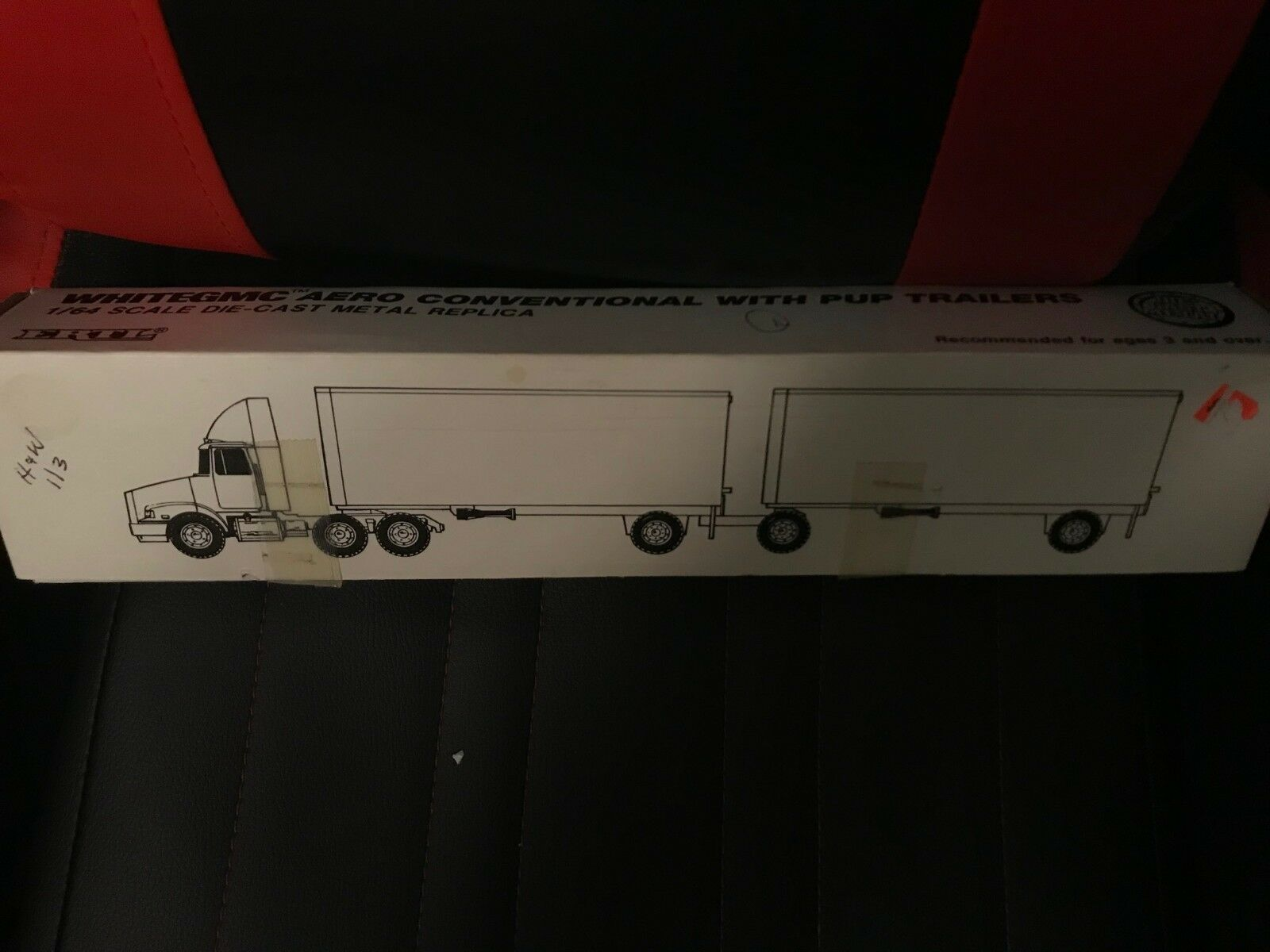 precios mas bajos H & W Ertl blancoo semi semi semi camión GMC Aero convencional con remolques de las crías 1 64 H&W  precios mas baratos