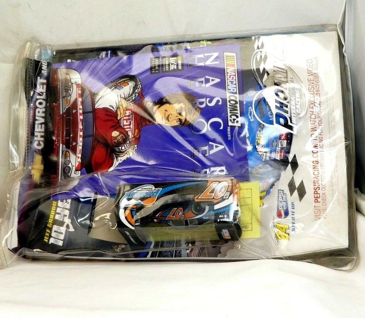 Nascar 2007 Phoenix raceway November 11 diecast car comics magazine w  poster