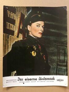 Eiserne-Unterrock-Kinoaushangfoto-59-Katharine-Hepburn