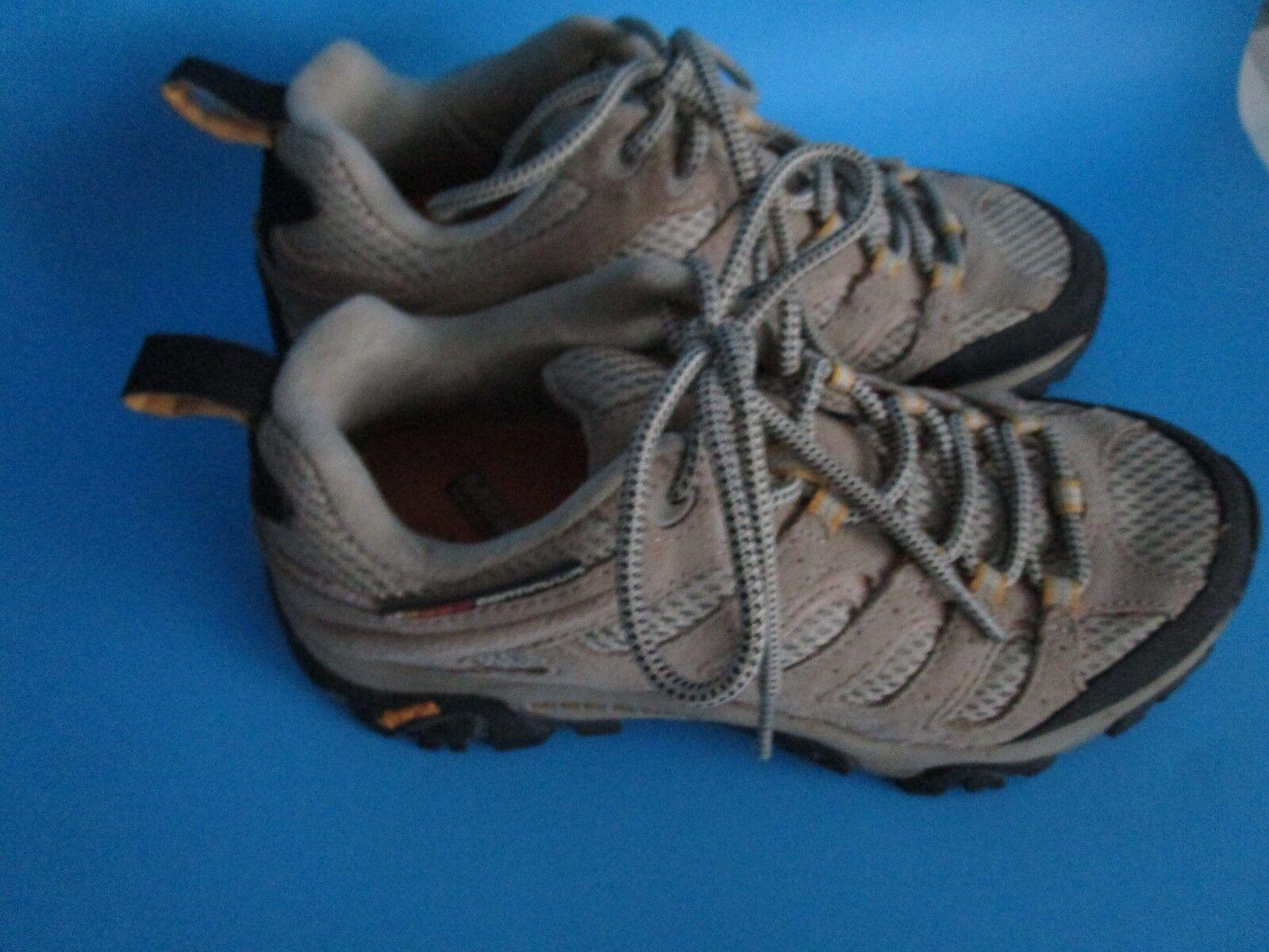 Merrell Moab 2 Ventilator Vibram Women's Trail Hiking shoes 6.5 US Suede Leather