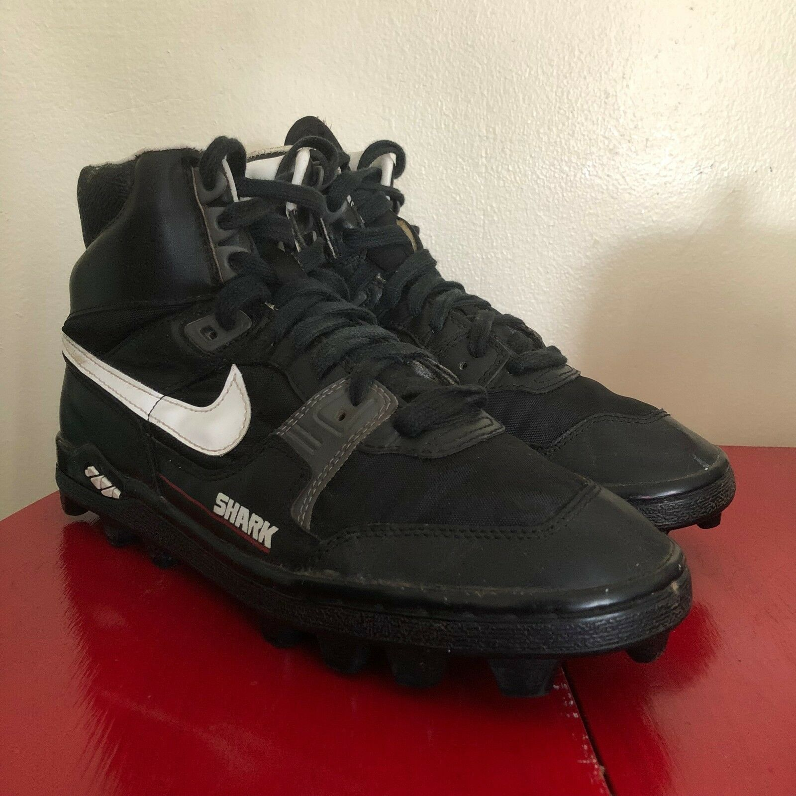 size 40 ffc97 980fc VINTAGE NIKE 1980 S SHARK HI TOP FOOTBALL CLEATS CLEATS CLEATS BLACK SIZE  9.5 - RARE BASEBALL 5f3a93