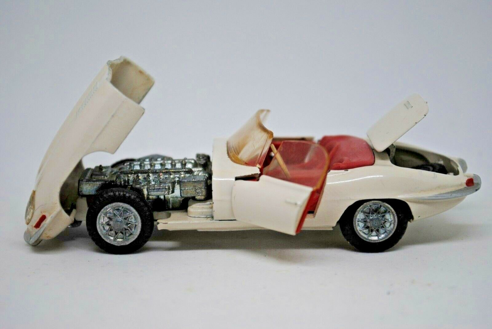 Tekno NO  926 JAGUAR E 1961 Roadster Auto Sportiva in Coloreeee bianco MADE IN DANIMARCA