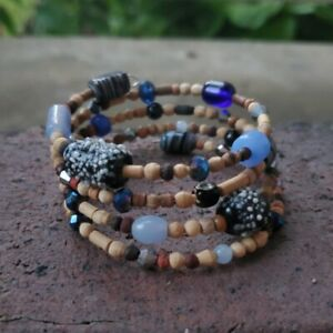Handmade-womens-memory-wire-bracelet-with-variety-of-blue-glass-beads-amp-wooden