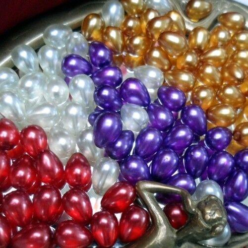 4 COULEURS AU CHOIX 20 Perles en Verre Nacré Gouttes 8//11 mm