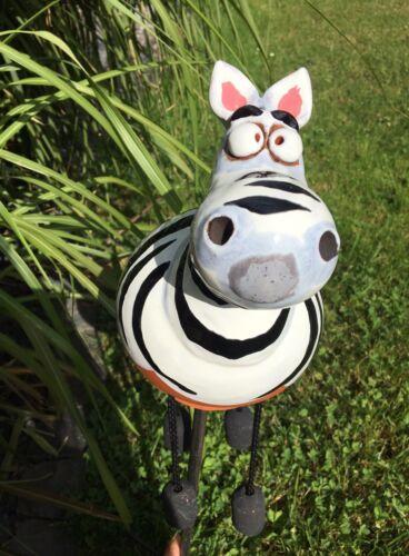 Keramik Zebra Gartenkugel Handarbeit Gartenstecker Beetstecker Kugel Pferd Stele