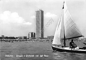 Cartolina-Postcard-Cesenatico-Spiaggia-e-Grattacielo-dal-mare