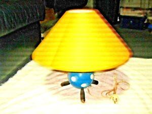 A-Rare-Retro-50-60-039-s-A-B-Carter-Type-1-Wooden-Ball-Tri-Leg-Polka-Dot-Table-Lamp