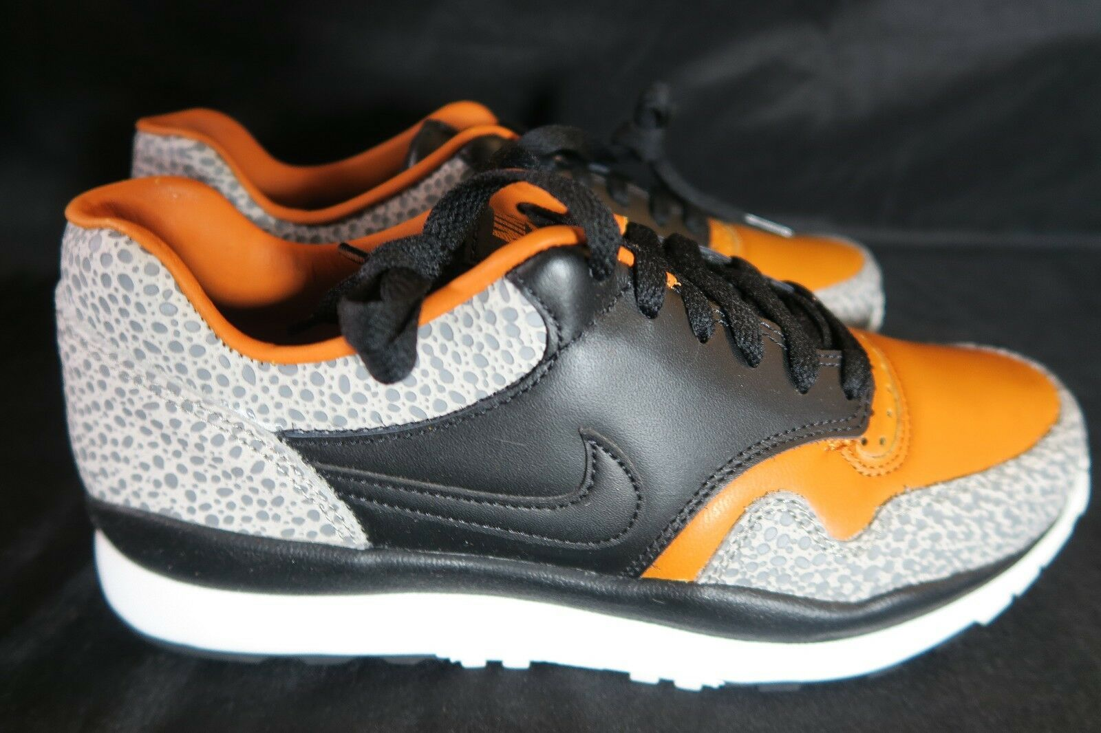 Nike Air Safari 2018 Retro QS '18 US 9.5 Style AO3295-001