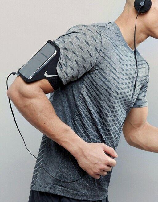 Nike Lean Arm Band Running Pocket