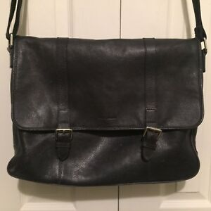 Image Is Loading Nice 450 Cole Haan Navy Blue Leather Messenger