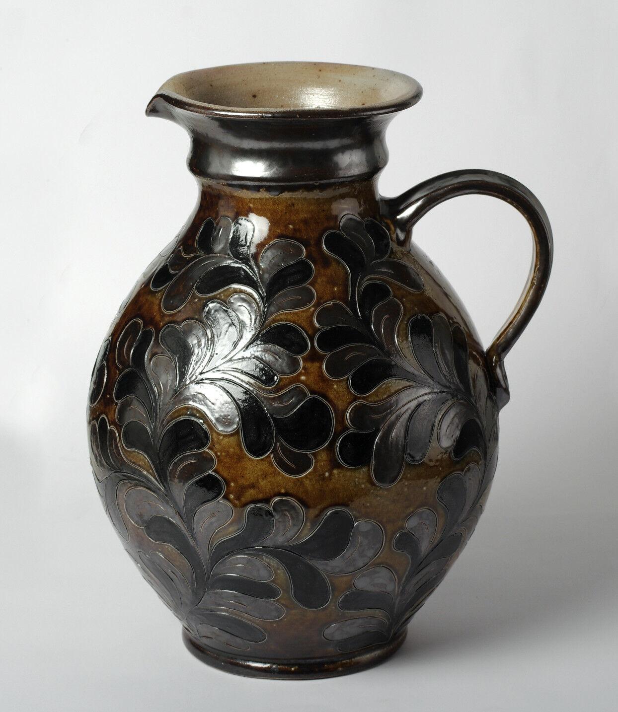 Großer Steinzeug Krug Krugvase Ritzdekor Blätterdekor gemark BE Bodenvase