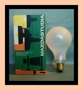 Une Lampe pour Tireuse Agrandisseur Photo MAZDASTURIA 250V 500W des années 50/60