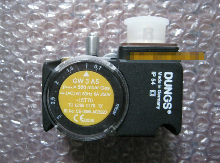 C01  1PC New DUNGS GW3A5 Pressure Switch Free Shipping