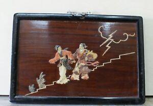 Antico-quadro-cinese-in-legno-con-figure-in-rilievo