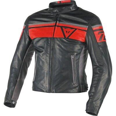 Motorradbekleidung und Helme, Dainese, Lederjacke, sportlich